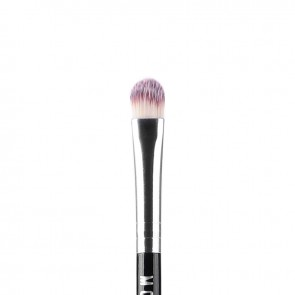 Small Concealer Brush closeup